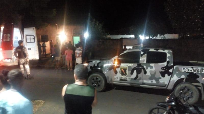 Mulher é presa após esfaquear ex-namorado em Teresina
