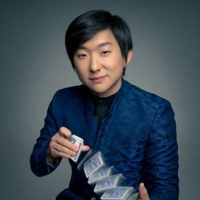 Pyong admite ser milionário e revela sonho de virar ator