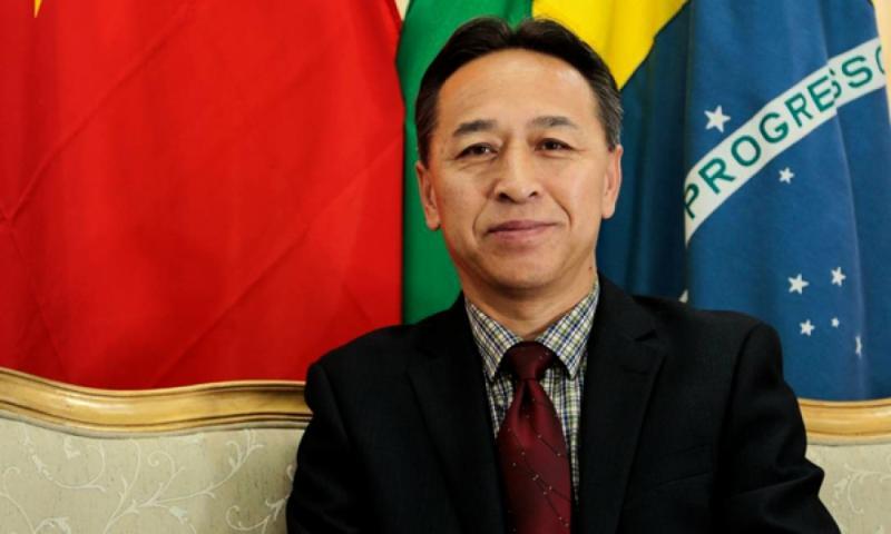 Cônsul da China escreve carta aberta destruidora a Eduardo Bolsonaro