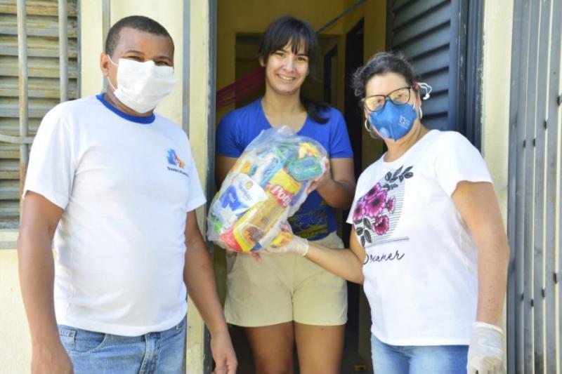 Prefeitura inicia entrega de cestas básicas em Floriano