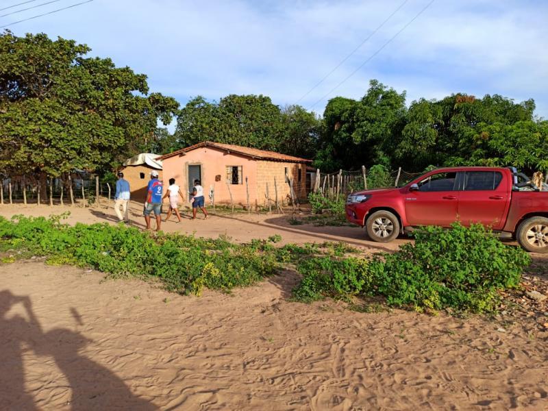 640 famílias de Landri Sales são beneficiadas com cestas básicas