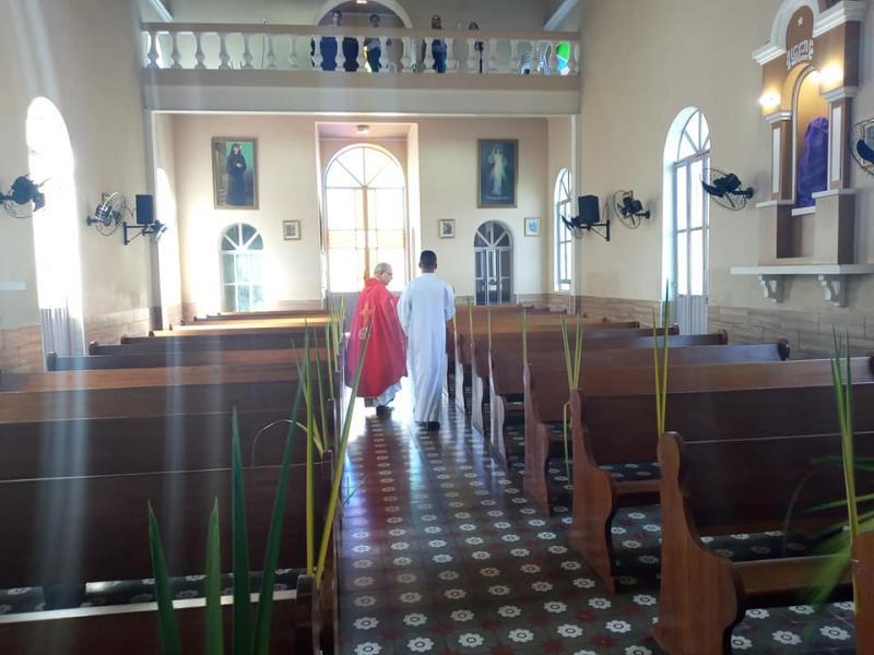 Pela 1ª vez na história, Domingo de ramos é celebrado com Igreja vazia
