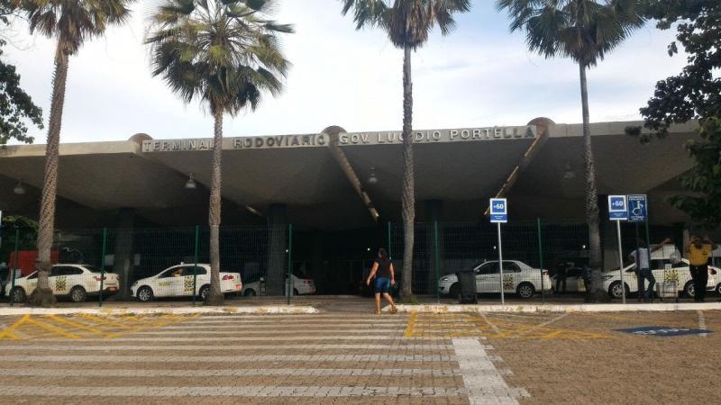 Acesso de passageiros é limitado na Rodoviária e viagens serão suspensas