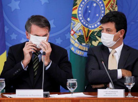 Vídeo: Bolsonaro pode demitir Mandetta ainda nesta segunda(06)