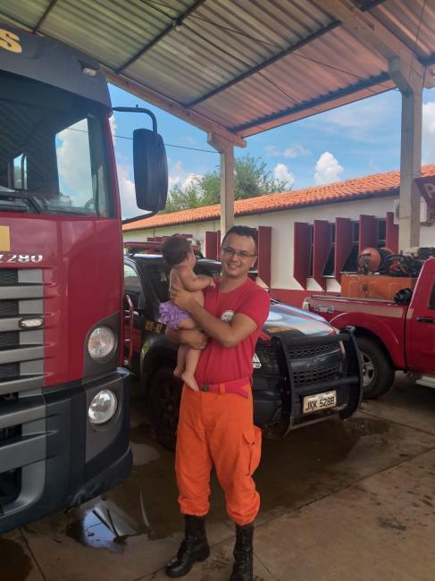 Bombeiros salva criança engasgada, em Picos