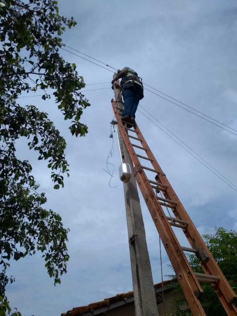 Prefeitura de Cajazeiras realiza troca e reparos na iluminação pública