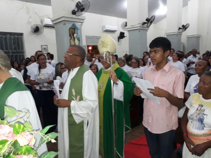 Padre Luiz de França toma posse na Paróquia de Nazaré do Piauí