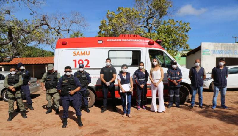 Altos | Equipe orienta moradores sobre cuidados e prevenções do Covid-19