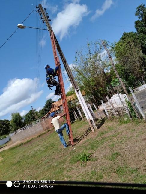 Prefeitura realiza trabalho de reposição de lâmpadas em Amarante