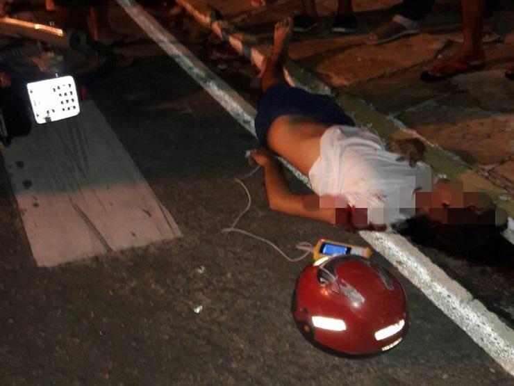 Jovem morre após colidir moto com van no Piauí