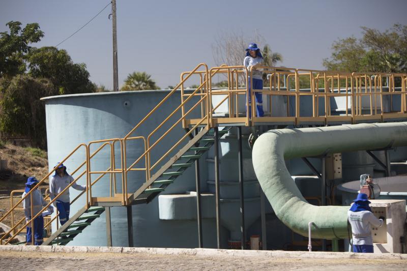 80% de Teresina fica sem água após raio atingir estação de tratamento