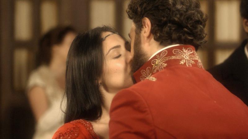 Novo Mundo: Anna e Thomas ficam noivos, e Joaquim chega ao Rio de Janeiro