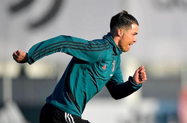 Cristiano Ronaldo é criticado por quebrar quarentena para treinar