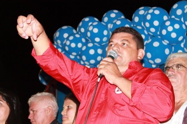 Prefeito e vice de Dirceu Arcoverde são denunciados por compra de votos