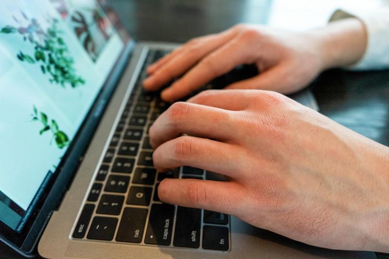 """Coronavírus: termo """"como ajudar"""" é o mais buscado no Google"""