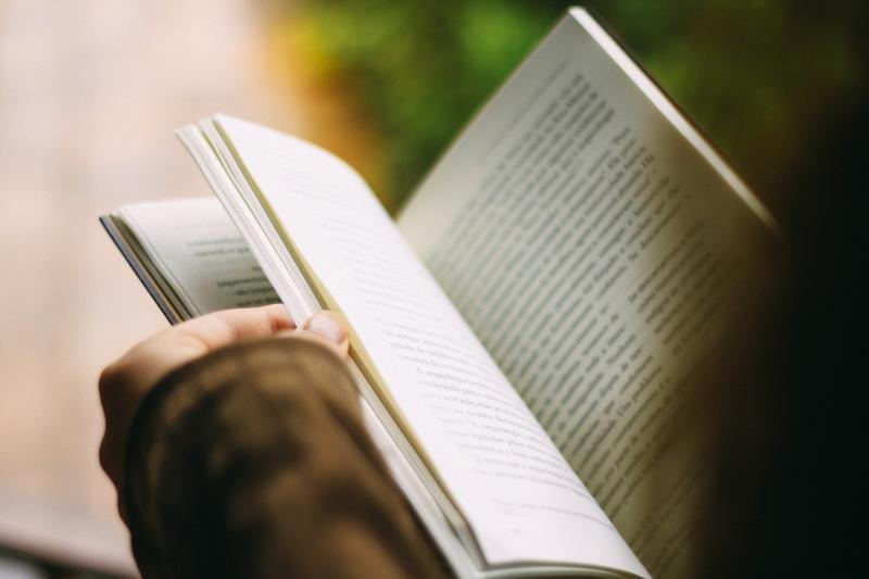 """""""Te aquieta e Lê"""": Projeto já entregou mais de 1400 livros gratuitamente"""
