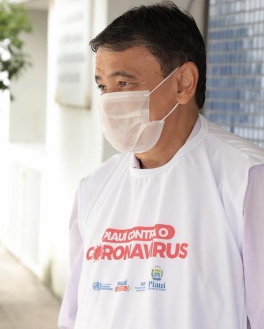 Governo decreta uso obrigatório de máscaras   em espaços públicos