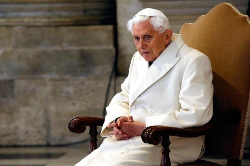 Papa Bento XVI sofre de doença debilitante