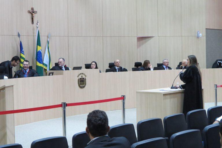 TCE bloqueia contas bancárias de prefeituras e câmaras municipais no Piauí