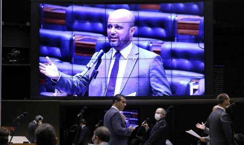 Câmara aprova MP que transforma Embratur em agência