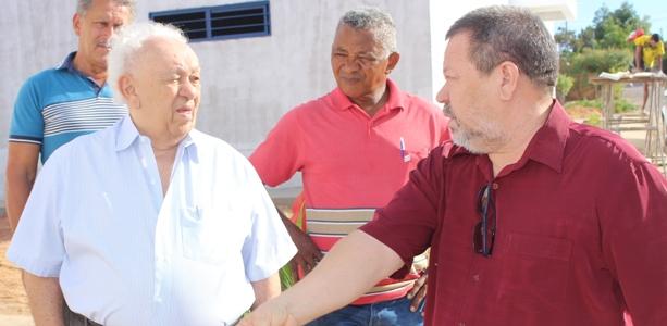 Registros feitos na visita de seu João Claudino às obras do Espaço Cultural 'Dona Socorro Claudino'. (Fotos: Lucas Stefano)