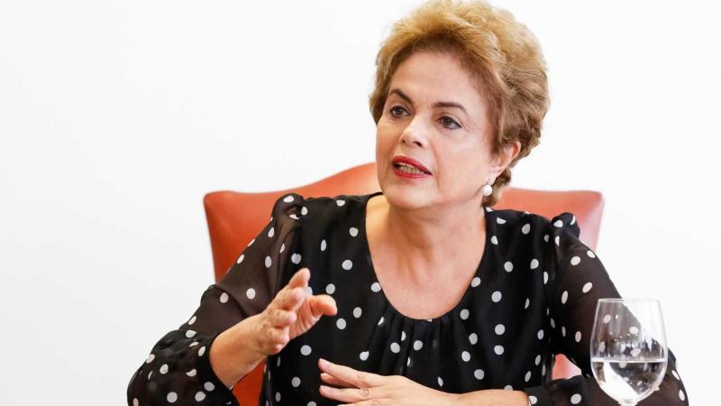 A petista avalia que, devido ao comportamento do governo, a pandemia ganha contornos ainda mais graves no País