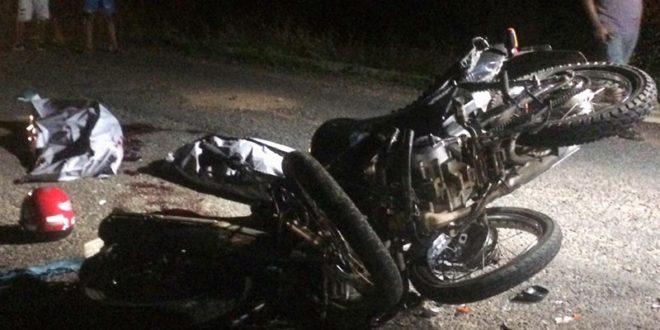 Colisão entre motocicletas deixa duas pessoas mortas na PI-243