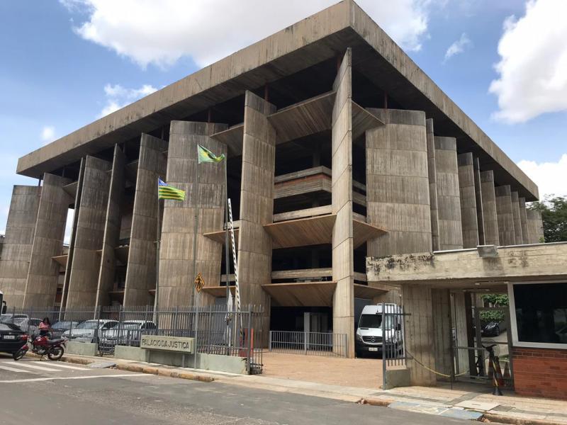 TJ-PI suspende pagamentos de precatórios devidos pelo governo
