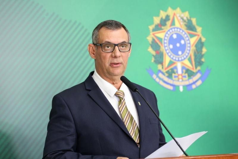 Porta-voz de Bolsonaro testa positivo para coronavírus