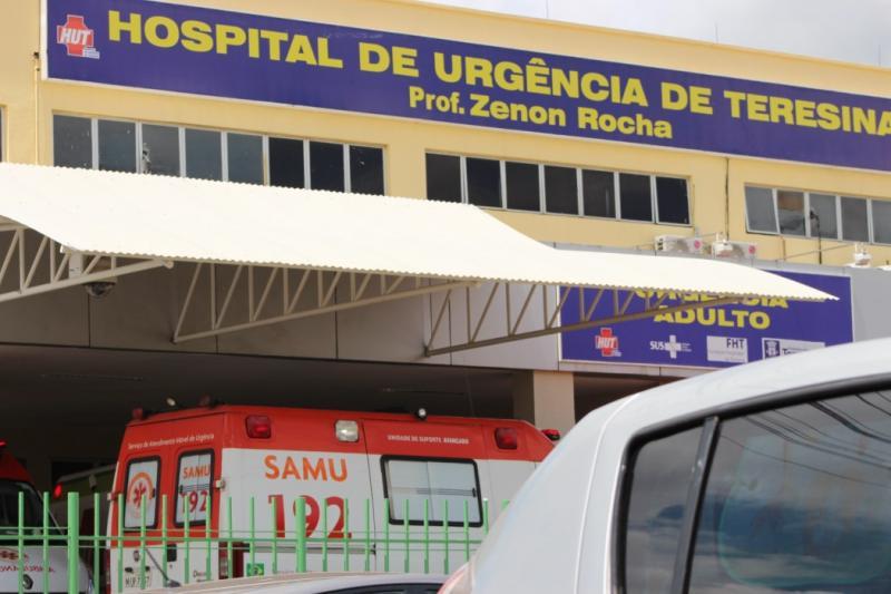 Colisão entre veículos deixa homem gravemente ferido