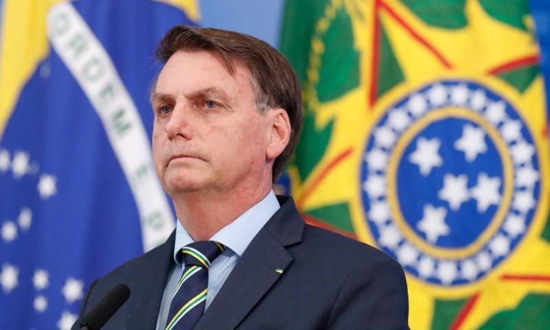 Bolsonaro recorre ao STF para não entregar vídeo de reunião com Moro