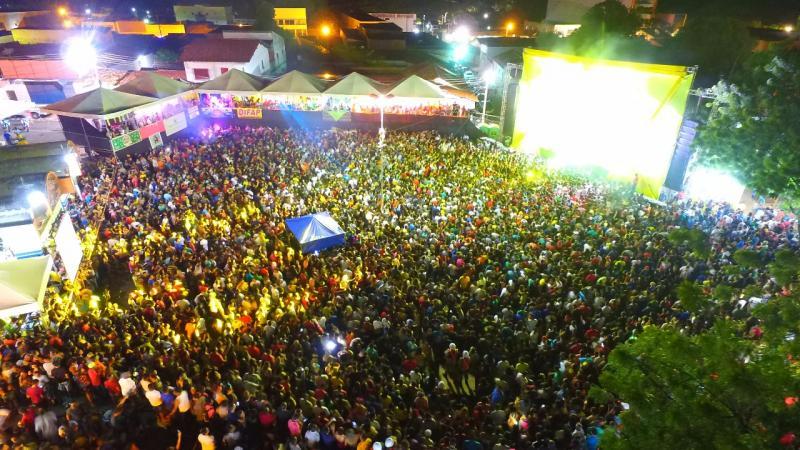 Carnaval de Água Branca reúne 60 mil pessoas