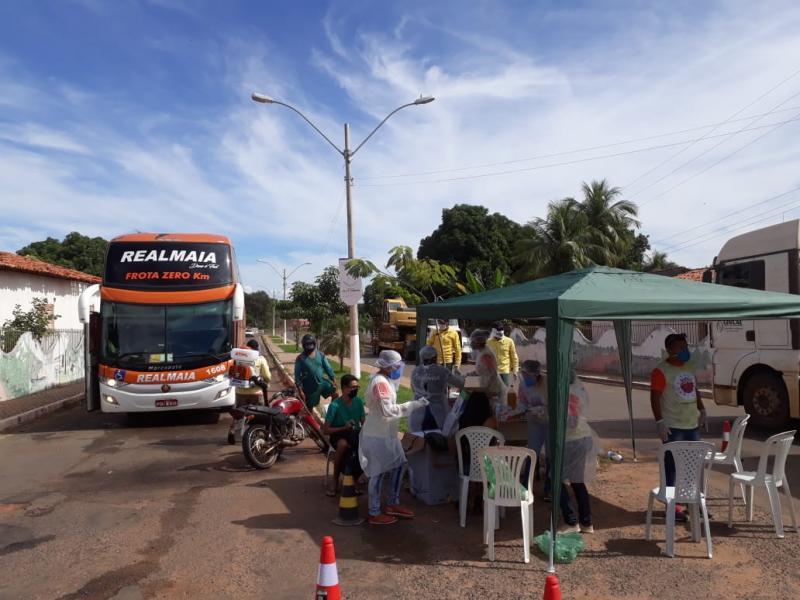 Equipe de Vigilância Sanitária monta barreira em Redenção do Gurgueia-Pi
