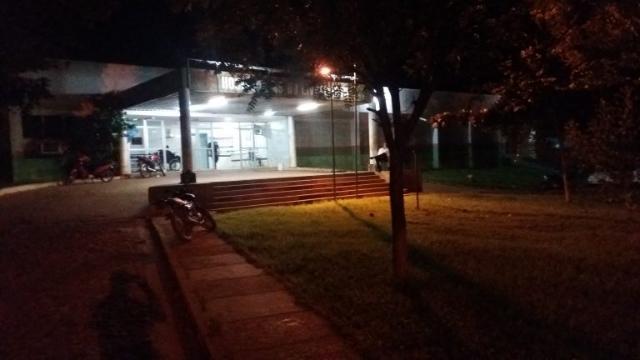 Jovem é baleado por dois indivíduos em José de Freitas.