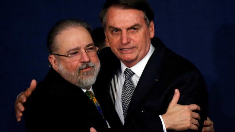 Com demissão de Moro, Bolsonaro avalia indicar Aras ao STF