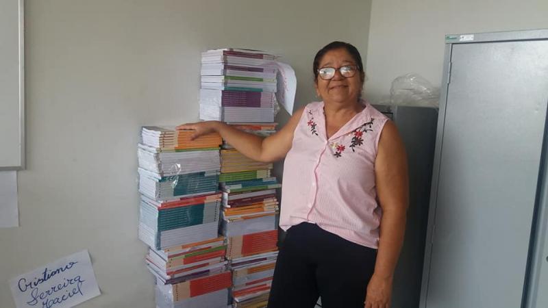 Escolas municipais de Corrente são contempladas com novos livros didáticos