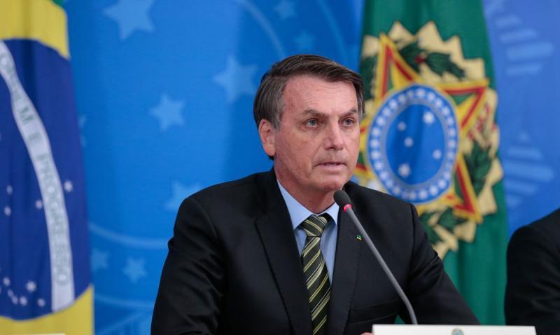 Bolsonaro diz que Enem pode atrasar, mas tem que ser feito ainda em 2020