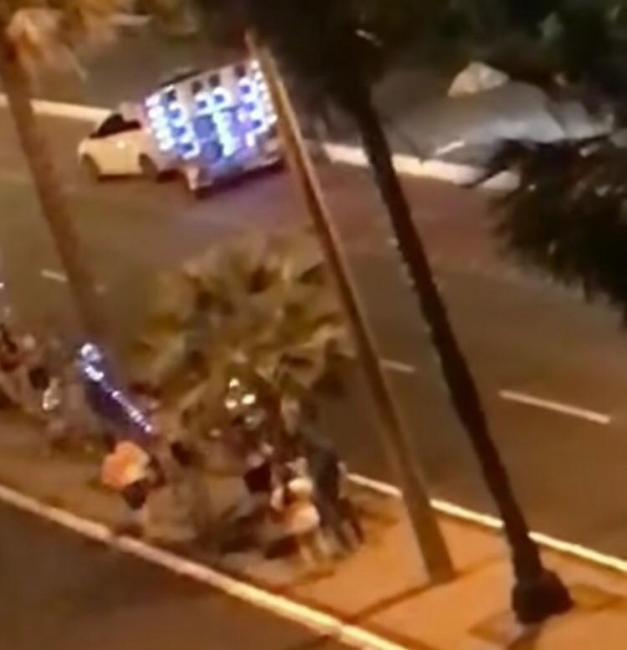 Jovens são flagrados fazendo 'festa' em avenida de Teresina