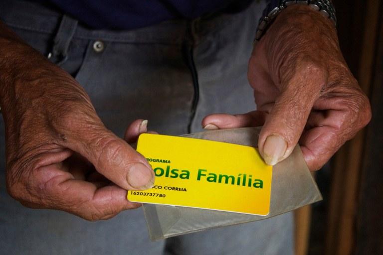 Governo suspende atualização de cadastro do Bolsa Família