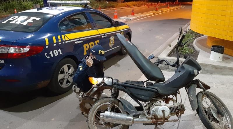 Homem de 50 anos é preso por pilotar moto embriagado na BR 343
