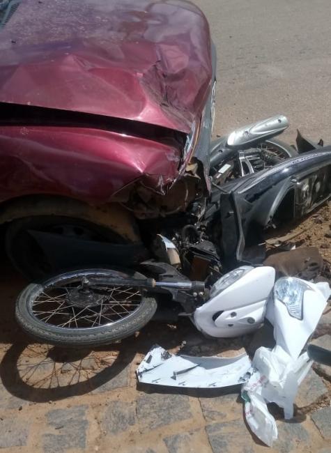 Idosa morre após colisão entre carro e moto em São Raimundo Nonato