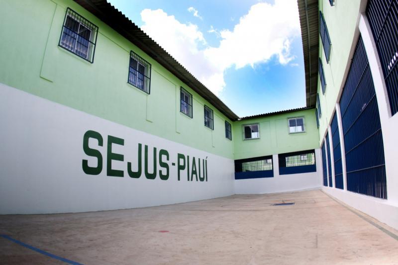 Relatório indica mais de 45 detentos infectados na Cadeia de Altos