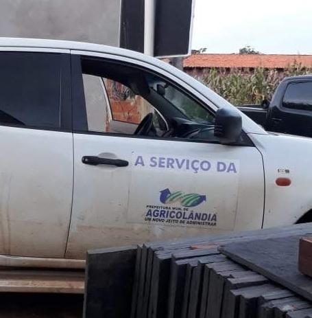 Carro de secretaria de Saúde é flagrado sendo usado para fins pessoais