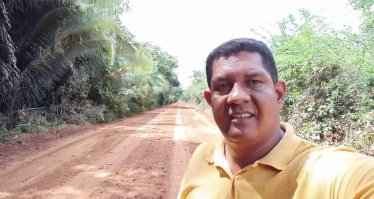 O vereador Coca do Matapasto, morador e autêntico representante da comunidade Rural ribeirinha Norte de Timon acompanhou de perto o serviço das máquinas, desde o início da recuperação daquela importante via.