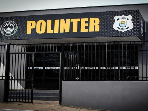 Polícia cumpre mandado em empresa de aluguel de ônibus em Teresina