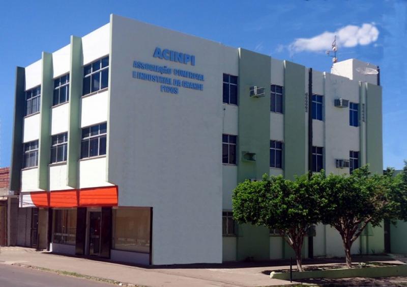 Empresários estabelecem diálogo com a Câmara de Picos em busca de soluções