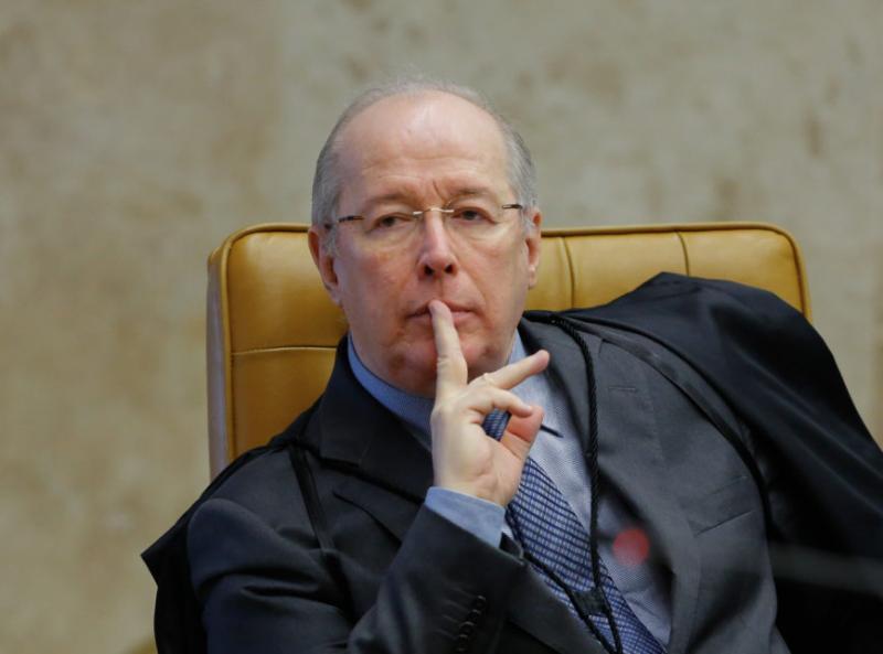 Ministro Celso de Mello pede apreensão de celular de Bolsonaro