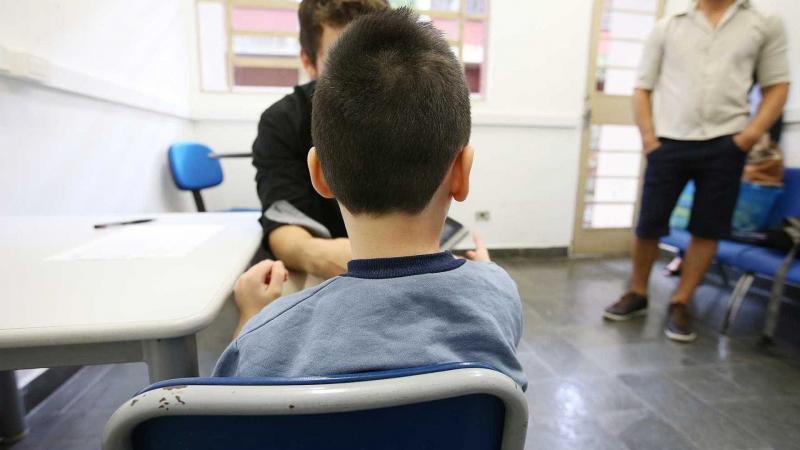 Senado derruba veto a projeto que facilita adoção no Brasil