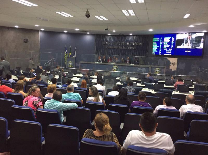 Câmara propõe aumento salarial de professores e remuneração pode chegar a R$ 7 mil