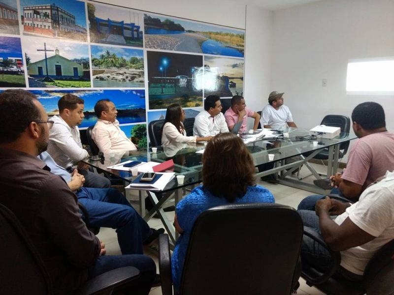 Comissão da Prefeitura Municipal e sindicatos reformulam Lei do Reenquadramento
